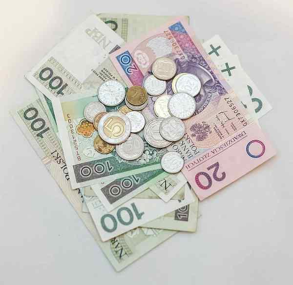 Pożyczamy od banków coraz więcej
