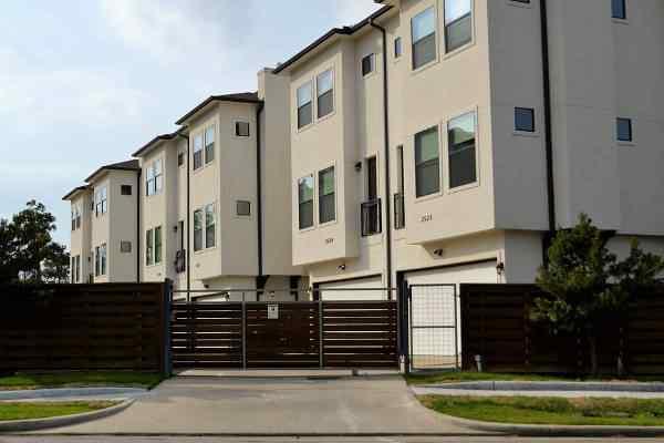 Osiedla mieszkaniowe zmieniają się w minimiasta