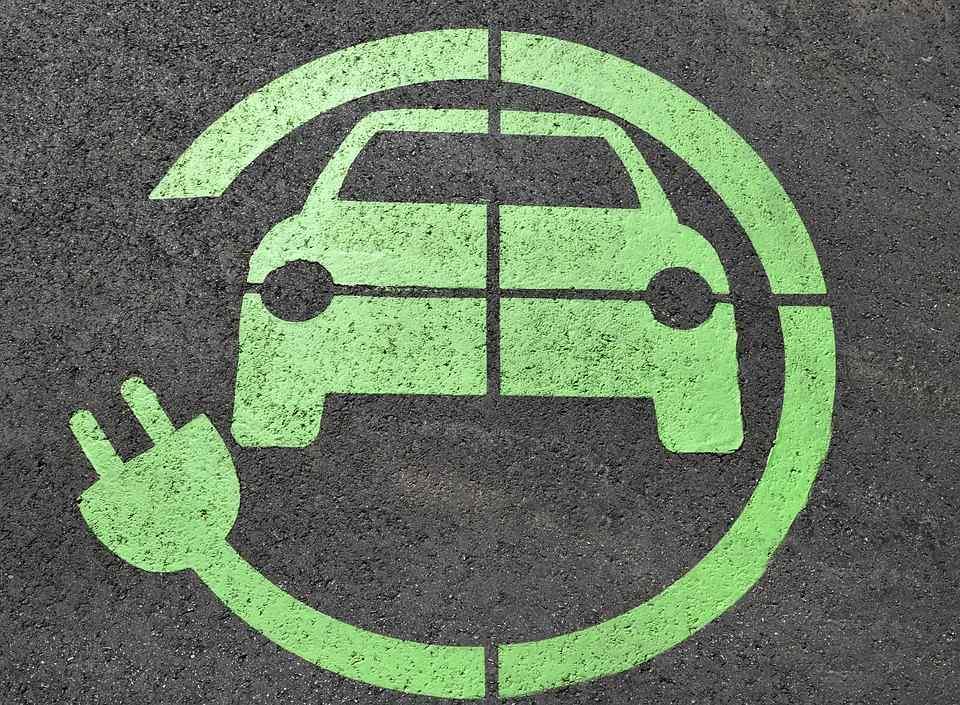 Warszawa dyskutuje o elektromobilności