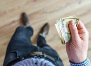 GUS alarmuje: zalegamy z opłatami za mieszkania