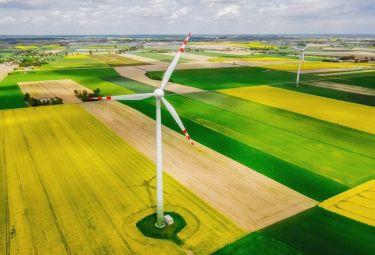 Nowe lądowe farmy wiatrowe w Polsce? Rząd zapowiada liberalizację przepisów