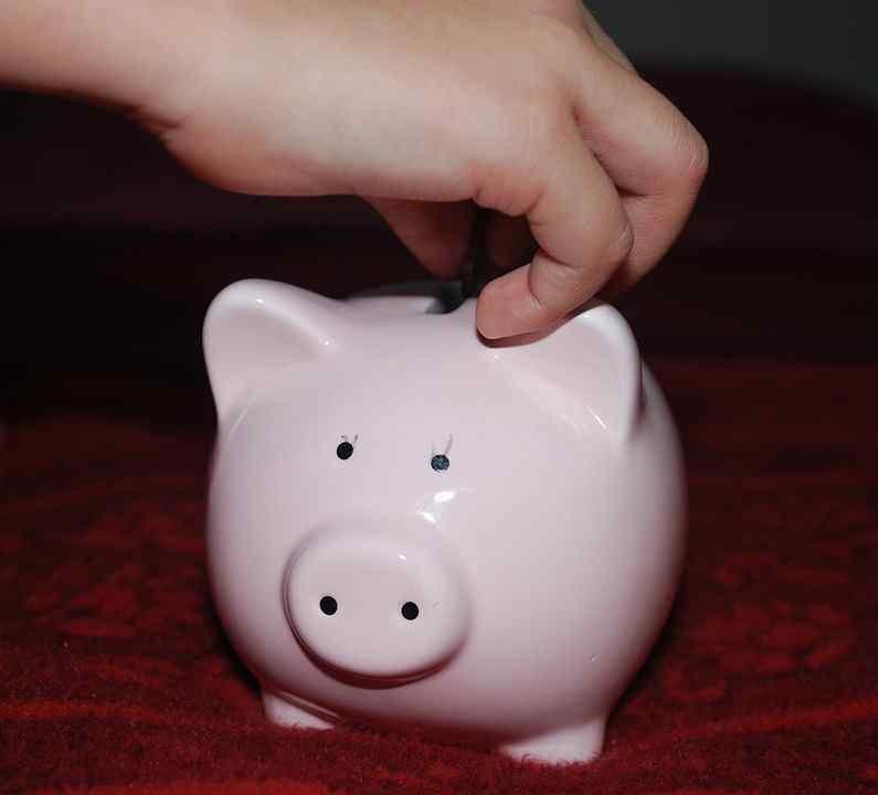 Polacy wykorzystują oszczędności - najwięcej mieszkań kupujemy za gotówkę