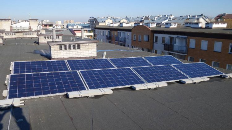 panele fotowoltaiczne, klastry energii