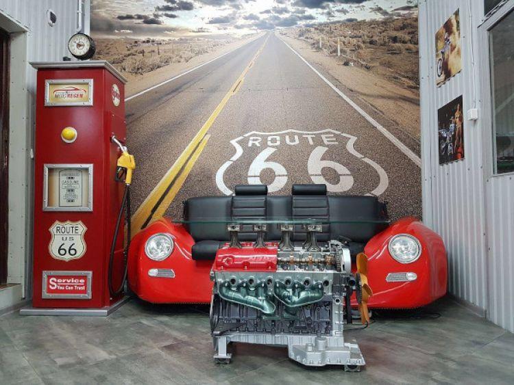 Rydułtowski mechanik tworzy wyjątkowe meble z części samochodowych.