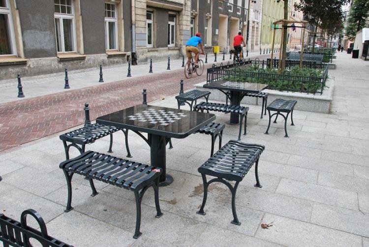 Prym w ilości woonerfów w Polsce wiedzie Łódź. Na zdj. woonerf przy ul. Piramowicza, źródło: Wikipedia
